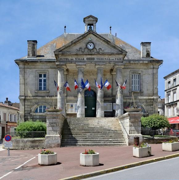 Châteauneuf_16_Hôtel_de_ville_2013