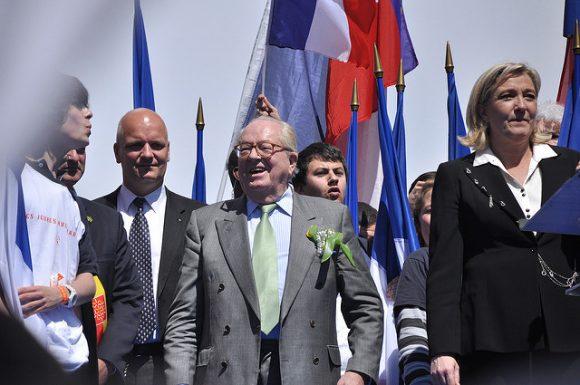 meeting-1er-mai-2012-front-national-_-blandine-le-cain-_-flickr