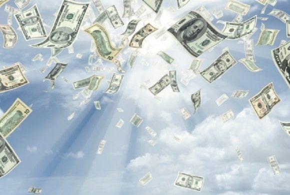 pluie-de-billets-de-banque-argent-810x543